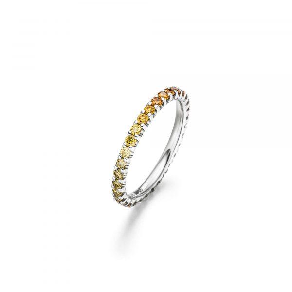 Memoire Ring mit naturfarbenen Diamanten von Atelier Fridrich bei Juwelier Fridrich in München