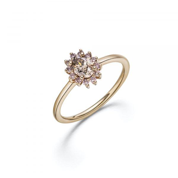 """Roségold Ring """"La Fleur"""" mit naturfarbenen Diamanten von Atelier Fridrich bei Juwelier Fridrich in München"""