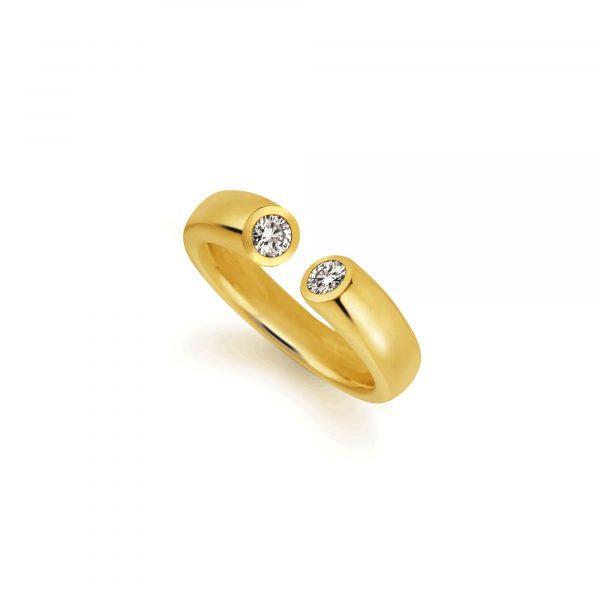 """Gelbgold Ring """"Toro"""" von Atelier Fridrich bei Juwelier Fridrich in München"""