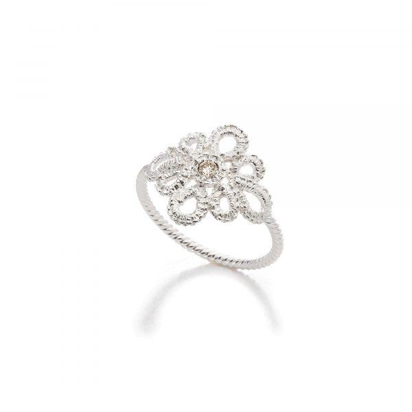 """Silber Ring """"Miss Medea"""" von Brigitte Adolph bei Juwelier Fridrich in München"""