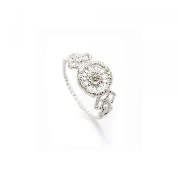 """Silber Ring """"Turandot"""" von Brigitte Adolph bei Juwelier Fridrich in München"""
