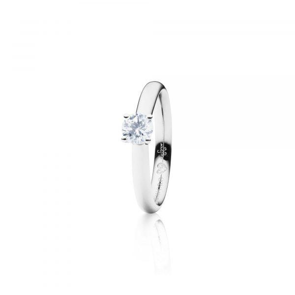 Weißgold Ring mit Brillant von Capolavoro bei Juwelier Fridrich in München