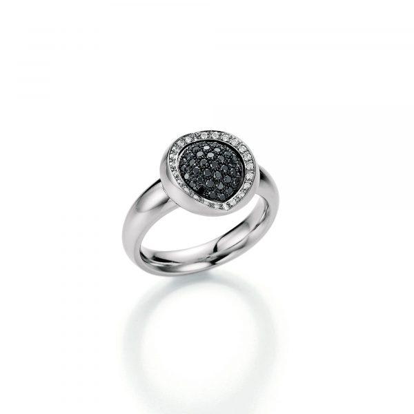 Weißgold Ring mit schwarzen Diamanten von Jörg Heinz bei Juwelier Fridrich in München