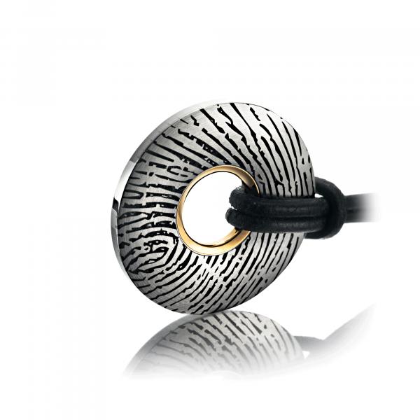 Amulett Fingerprint in Titan und Rotgold von Meister bei Juwelier Fridrich in München