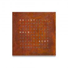 CLASSIC CREATOR'S EDITION RUST von QLOCKTWO bei Juwelier Fridrich in München